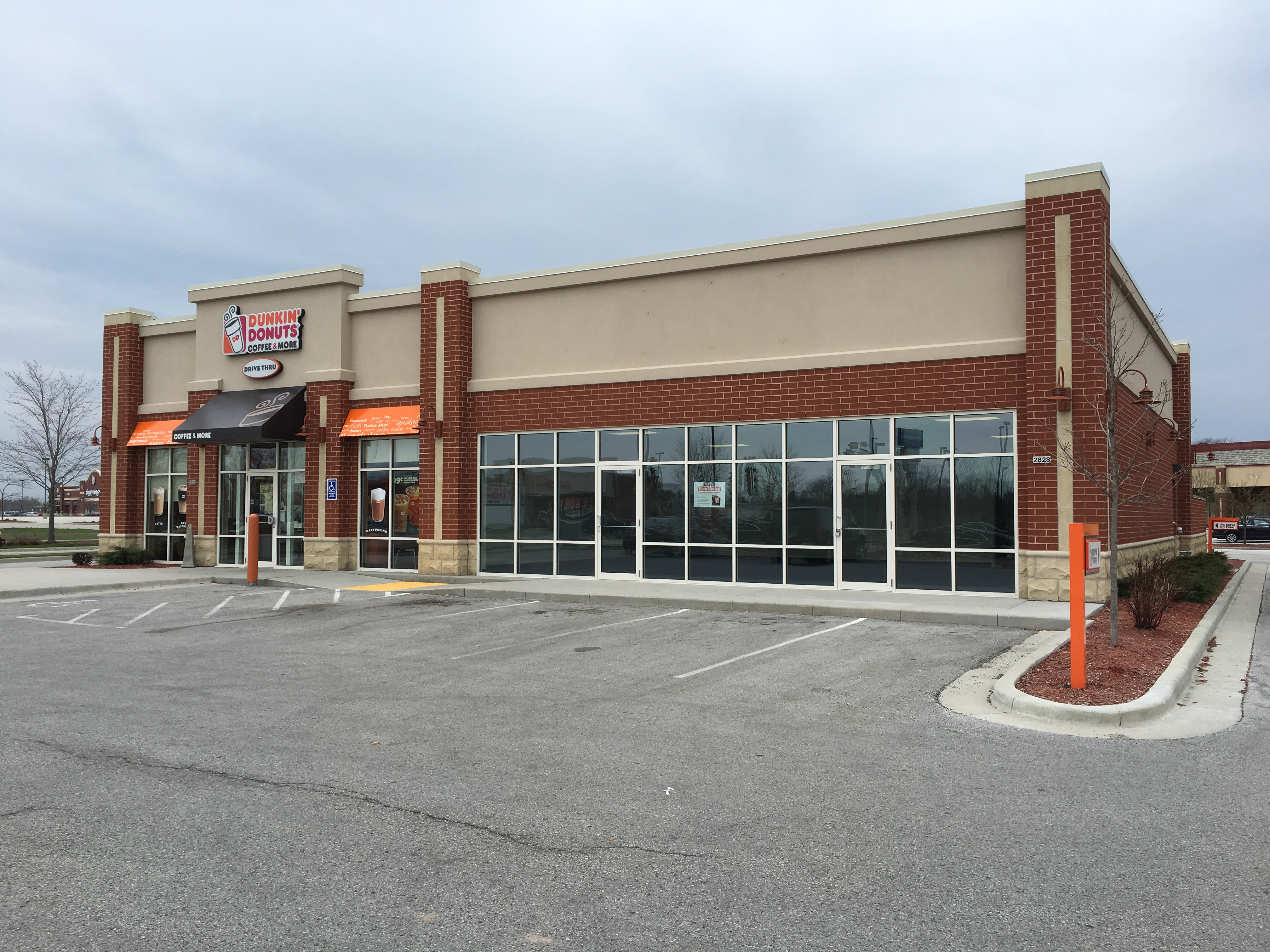Dunkin/Title Max Building 2828 S. Business Dr, Sheboygan, WI
